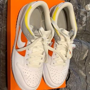 WOMENS NIKE DUNK LOW WORN ONCE